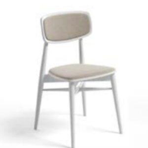 Cadeira com assento e costa estofado